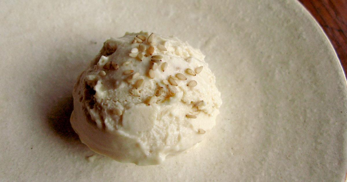 白ごまアイスクリーム